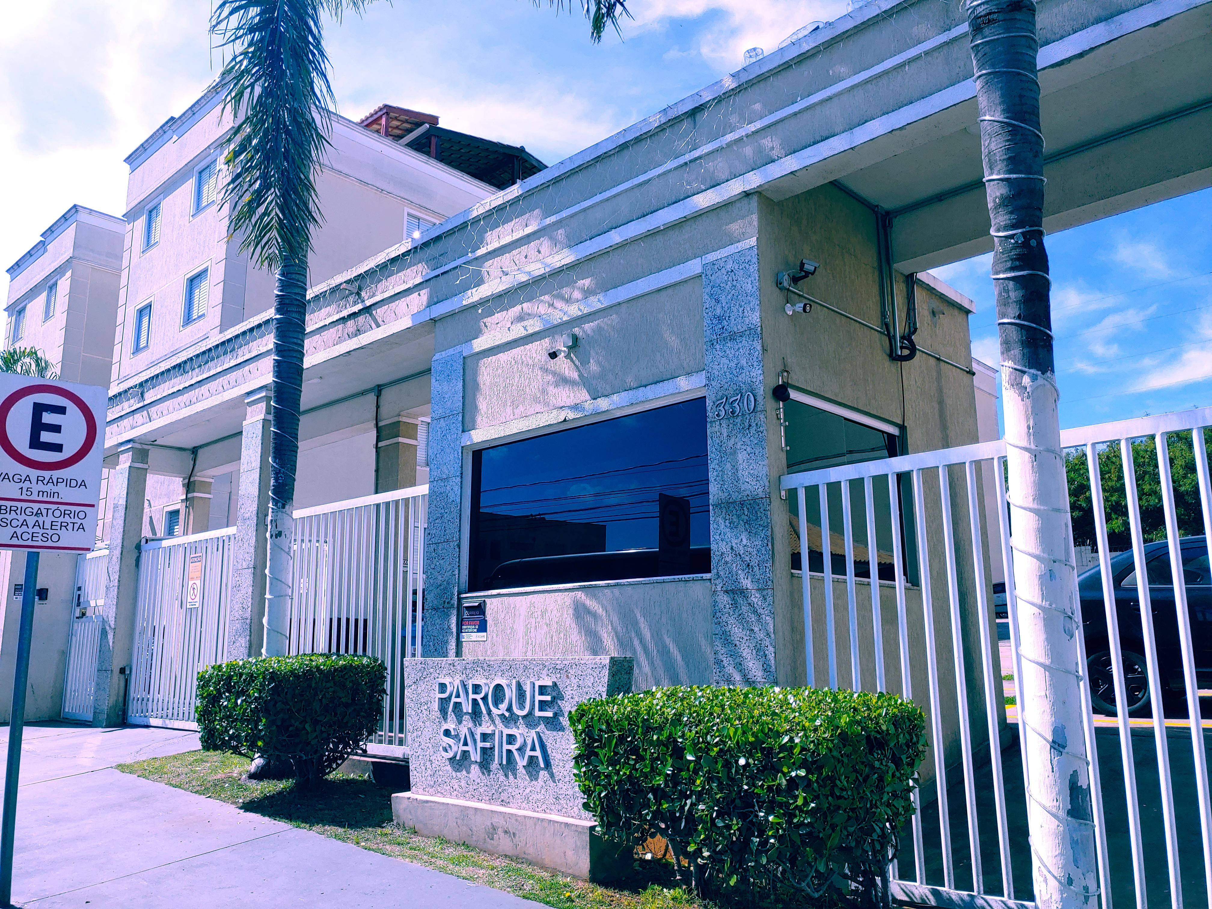 Apartamento em Condomínio Parque Safira